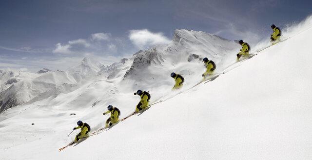 Skiing downhill - 00539FF