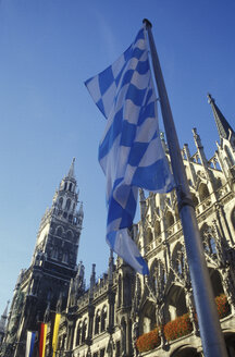 Flag of Bavaria, in front of Munich city hall - 00100GS