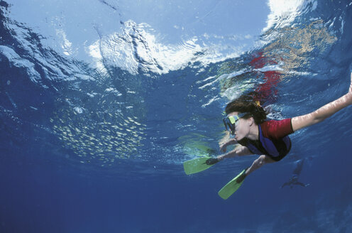 Female diver under water - GN00549