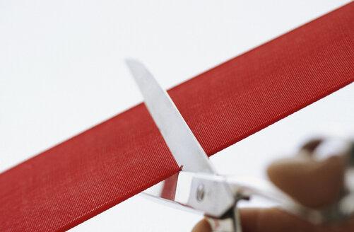Scissors cutting ribbon - 00434AS