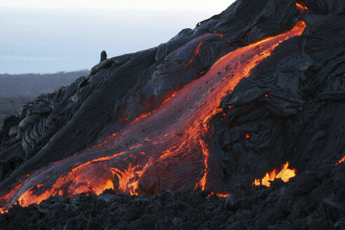 hawaii - pahoehoe lava leaving lava tube - RM00055