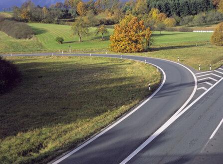 Bending road - PE00303
