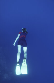 Female diver, rear view - GN00543
