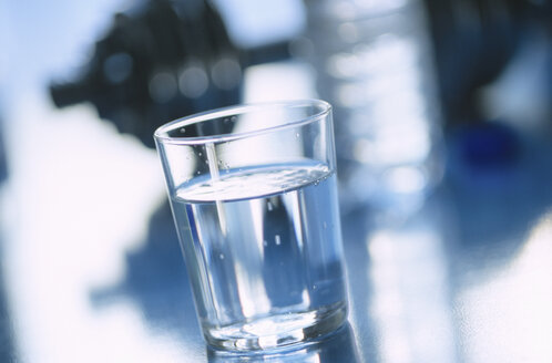 Glass of water - 00476AS