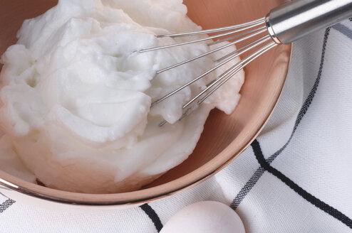 Beaten white of egg, close-up - LRF00011