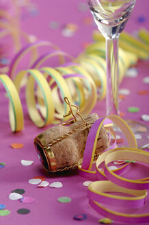 Party streamers and wine cork - ASF02020