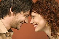 Couple smiling, profile - CLF00144