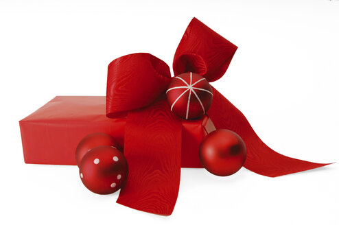 Red Christmas present with baubles and bow - 00074LR-U
