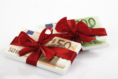 Bunches of banknotes tied as gift - 04650CS-U