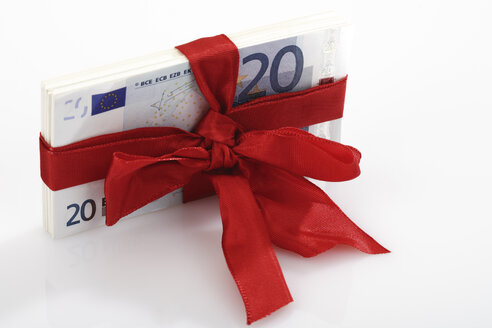 Bunch of banknotes tied as gift - 04647CS-U