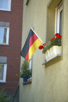 German flag in flower box - THF00279