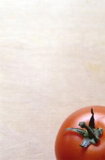 Ripe tomato, close-up - COF00007