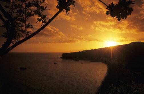 Spain, la Gomera, sunset at Playa Santiago - GNF00824