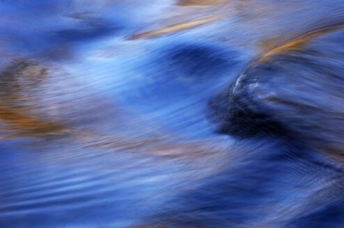 Water surface, close-up - SMF00056