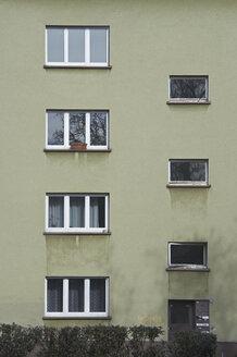 Windows on building exterior - TLF00004
