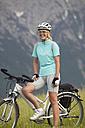 Female racing cyclist - MRF00885