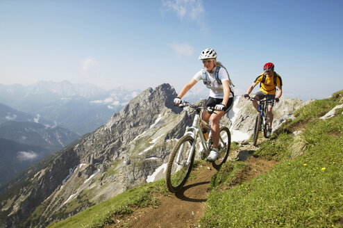 Mountain biking - MRF00858