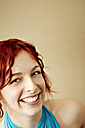 Portrait of a young smiling woman - DW00087