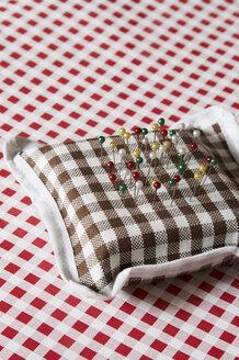 Pins in pin cushion - TLF00036