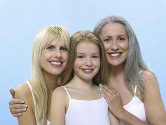Grandmother, daughter and granddaughter, portrait - WESTF05294