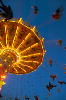 Chairoplane at night - THF00586
