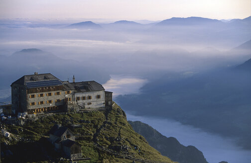 Germany, Bavaria, Berchtesgadener Land, Watzmann House - FFF00815