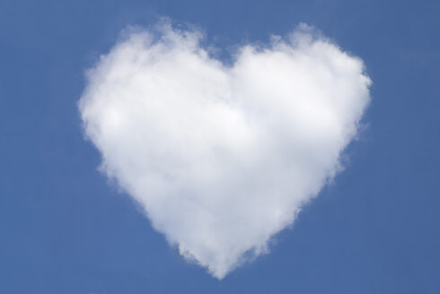 Heart-shaped cloud - MUF00006
