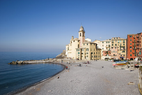 Italy, Laguria, Camogli, Beach - MRF00971