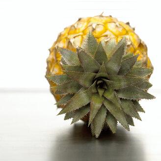 Pineapple, close-up - CHKF00447