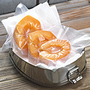 Vacuum packed apricots, close-up - CHK00888