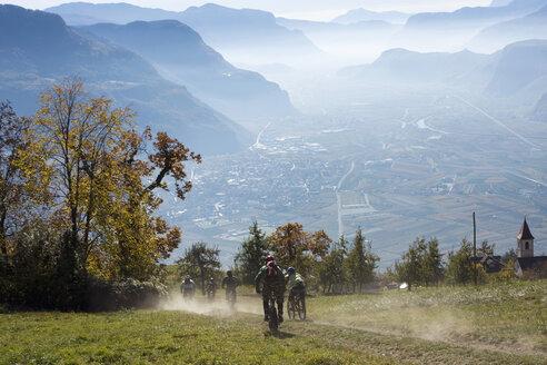Italy, South Tyrol, Bozen, mountain biking - FFF00867