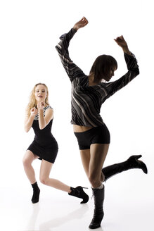 Young women dancing - RRF00144