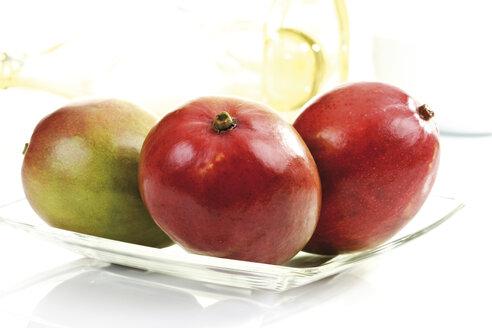 Mangos on glass plate - 08254CS-U
