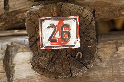 Austria, Salzburger Land, house number on wooden beam, close up - HHF01891