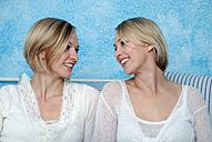 Two blonde women, portrait - DKF00141