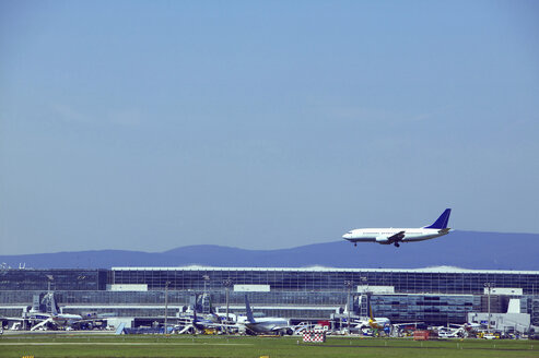 Germany, Frankfurt, Airport, Airplane approaching - TH00664
