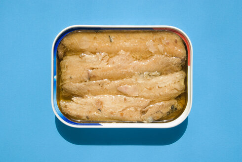 Open tin of Sardines, elevated view - MUF00260