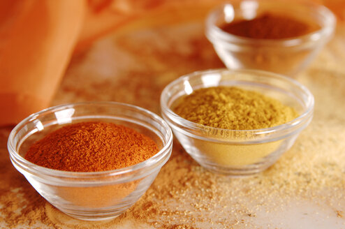 Variety of spices, close up - 00381LR-U