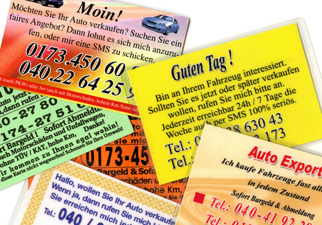 Business cards, second-hand car trade, close up - THF00765