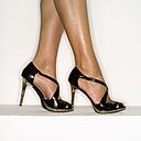 Female legs in high heels, close-up - MUF00604