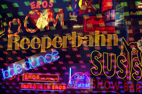 Germany, Hamburg, Reeperbahn, Illuminated advertising - TH00802