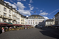 Germany, North Rhine-Westphalia, Bonn, Town hall and market square - 00298DH-U