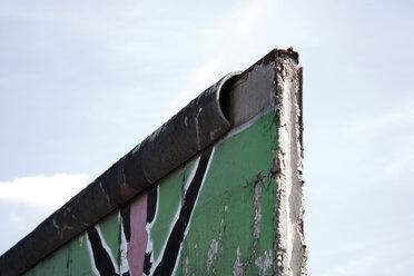 Germany, Berlin, Broken Wall with graffiti - 09328CS-U