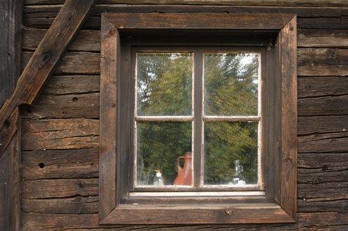 Farmhouse, window, close-up - 00478LR-U