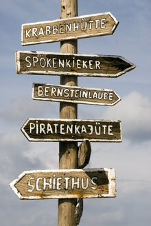 Germany, Amrum, Sign posts - AWDF00086