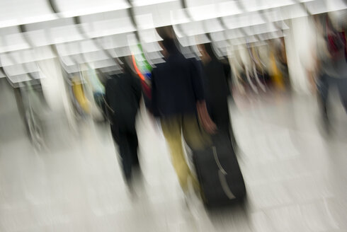 Airport terminal, blurred motion - MUF00675
