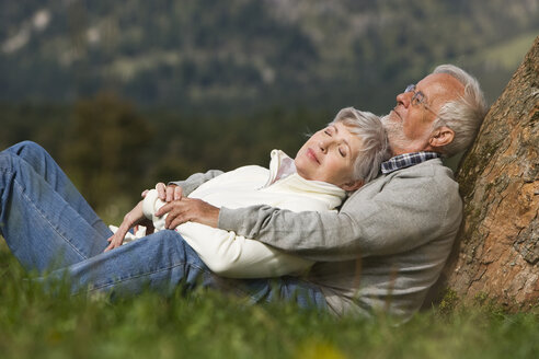 Austria, Karwendel, Senior couple in the countryside - WESTF10411