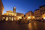 Italy, Rome, Trastevere, Piazza Santa Maria at night - GWF00909