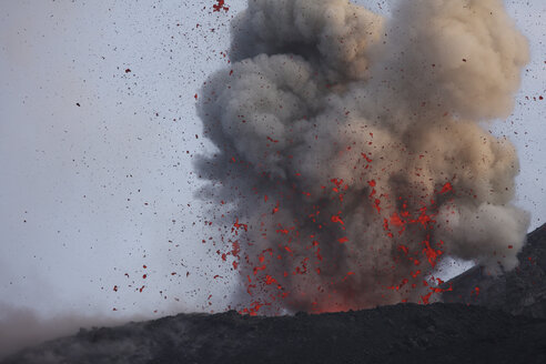 Indonesia, Anak Krakatau, Volcanic eruption - RM00350
