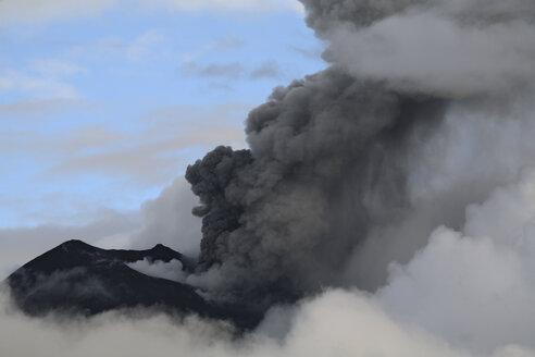 Ecuador, Tungurahua, Volcano eruption - RM00253